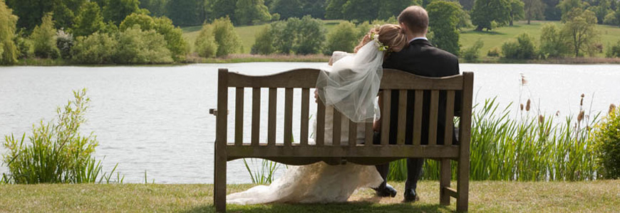 burghley_wedding_bench_couple